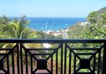 Location vacances  Guadeloupe - Villa with 3 bedrooms in Deshaies with wonderful sea view private pool furnished terrace-1