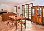 Location vacances Théziers - Nice home in Fournès w/ Wifi and 3 Bedrooms-2