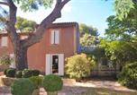 Location vacances Grans - Nice home in Grans with Outdoor swimming pool, Wifi and 3 Bedrooms-2