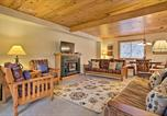 Location vacances Spartanburg - Cabin with Game Room and Hot Tub Mins to Hendersonville-3
