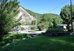 Camping avec Piscine couverte / chauffée Les Vigneaux - Camping Du Bourg-4