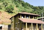 Location vacances Mahabaleshwar - Fully Furnished Lake View Villa-1