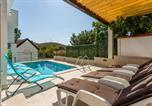 Location vacances Omiš - House Luce with pool-1