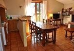 Location vacances Savigneux - Gîte Maringes, 3 pièces, 4 personnes - Fr-1-496-30-2