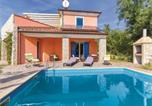 Location vacances Umag - Three-Bedroom Holiday Home in Vilanija-2