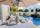 Location vacances Calodyne - Luxury Villa Calodyne Sur Mer-1