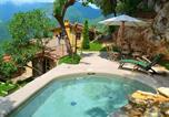 Location vacances Borgo a Mozzano - A Cozy Holiday Home in Camaiore with Swimming Pool-1
