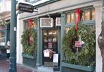Location vacances Boston - Luxury Beacon Hill 1 Bedroom Apartment with Deck in Boston-1