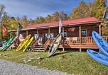 Location vacances Bridgeport - Rural Cabin Hideaway with Fire Pit and Mtn Views!-3