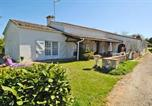 Location vacances Pouy-Roquelaure - House with 2 bedrooms in Lannes with furnished garden and Wifi-1
