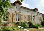 Location vacances  Aube - Countryside Cottage in Bligny Champagne with Fenced Garden-2