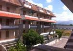 Location vacances  Province de Cosenza - Bilocale a 800 metri dal mare-1