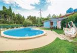 Location vacances  Province du Medio Campidano - Two-Bedroom Holiday Home in Villacidro Vs-1