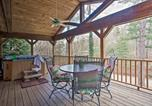 Location vacances Spartanburg - Cabin with Game Room and Hot Tub Mins to Hendersonville-2