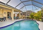Location vacances Punta Gorda - Port Charlotte Home on Canal with Lanai and Pool!-1
