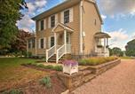Location vacances Mystic - Pawcatuck Riverfront Home w/Yard - Mins to Beach!-1