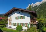 Location vacances Mittenwald - Almroeserl-1