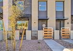 Location vacances Apache Junction - Stylish Mesa Townhome, 8 Mi to Usery Mtn Park-2
