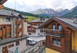 Location vacances  Province de Sondrio - Stunning apartment in Livigno with Wifi and 2 Bedrooms-2