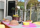 Location vacances Alkmaar - Cosy Holiday Home in Heiloo with Sunlit Terrace-1
