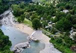 Camping en Bord de rivière Rhône-Alpes - Camping Le Ventadour-1