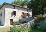 Location vacances  Cantal - Gîte Lafontbasse-4