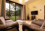Location vacances Lonavala - Greenwoods Two by Vista Rooms-1