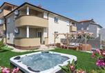 Location vacances Istria - Two-Bedroom Apartment in Vodnjan-1