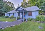 Location vacances Schenectady - Home with Sauna and Fire Pit, 13 Mi to Windham Mtn-1