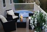 Villages vacances Alford - Tattershall Lakes, Brand New Luxury 3 Bedroom 8 Berth With Hot Tub, Relaxing Breaks-1