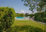 Location vacances Padenghe sul Garda - Villaggio d'Annunzio Apartment Sleeps 4 Pool Wifi-3