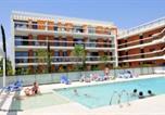 Location vacances Villeneuve-Loubet - Residence Royal Cap