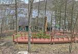 Location vacances Brookfield - Lakefront New Preston Cottage with Dock and Fire Pit!-3