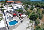 Location vacances Nerežišća - Holiday house Pergola-3