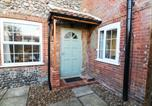 Location vacances Yaxham - The Old Sweet Shop, Dereham-2