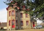 Hôtel Bessines-sur-Gartempe - Chateau Lezat - Chambres d'Hotes et Table d'Hotes-1