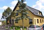 Location vacances Neustadt am Rennsteig - Small and cosy apartment in Frauenwald Thuringia with forest nearby-1