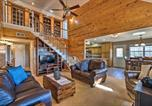 Location vacances Rogers - Hilltop Cabin on Beaver Lake with Deck and Views!-4