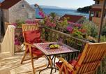 Location vacances Sućuraj - Apartments Mladen-1