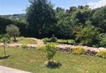 Location vacances Vence - A 15 mn de St Paul, Rez de jardin, 2 chbres, écrin de verdure, piscine, calme-2