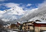 Location vacances Lanslebourg-Mont-Cenis - Hotel Alpazur - Hebergement + Forfait + Materiel de ski-1