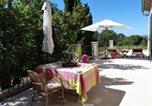 Location vacances Charleval - Domaine de Casteuse Appartement 2-1