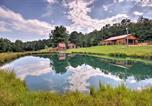Location vacances Fancy Gap - Cabin on Working Alpaca Ranch, Near Wineries!-2