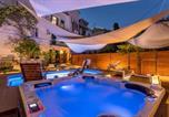 Hôtel Split - Evala luxury rooms with pool and garden-2