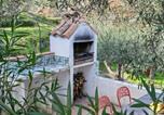 Location vacances Linguaglossa - Lovely Villa in Piedimonte Etneo with Private Swimming Pool-3