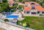 Location vacances Split-Dalmatia - Isolated Five Star Luxury Villa With Private Pool-2