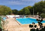 Camping avec Piscine couverte / chauffée Carcans - Camping La Chesnays-1