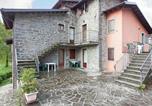Location vacances  Province de Pistoia - Cozy Holiday Home in Cutigliano with Swimming Pool-4