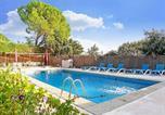 Location vacances Las Rozas de Madrid - Delightful Apartment in Galapagar with Jacuzzi and sauna-2