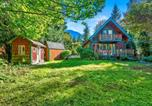 Location vacances Monroe - New! Riverfront Cabin near Hiking and Stevens Pass-3